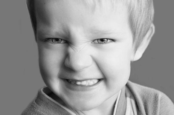 عضله های لازم برای خندیدن و اخم کردن