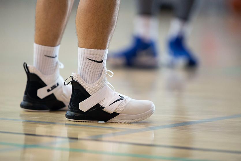 25 مدل کفش بسکتبال ارزان و باکیفیت با قیمت روز و خرید اینترنتی