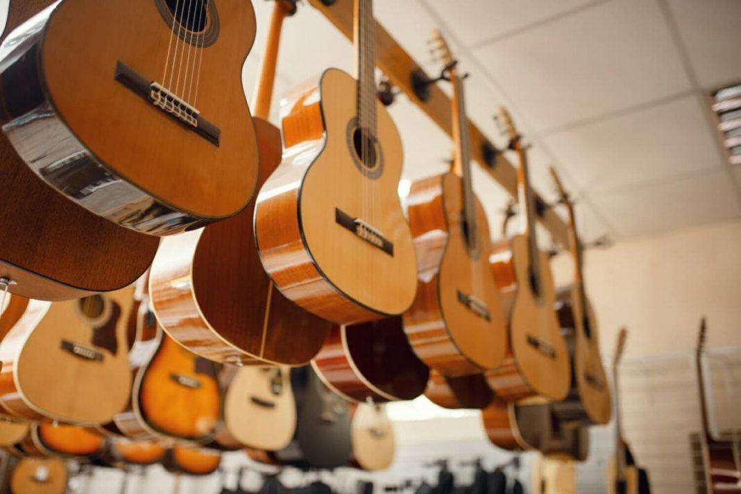 راهنمای خرید گیتار کلاسیک یاماها